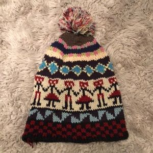 Accessories - Knitted Pom beanie